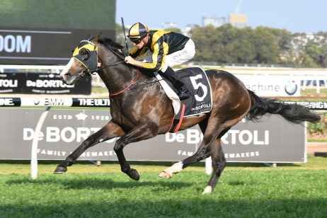 2018 Randwick Guineas Aim for Trapeze Artist